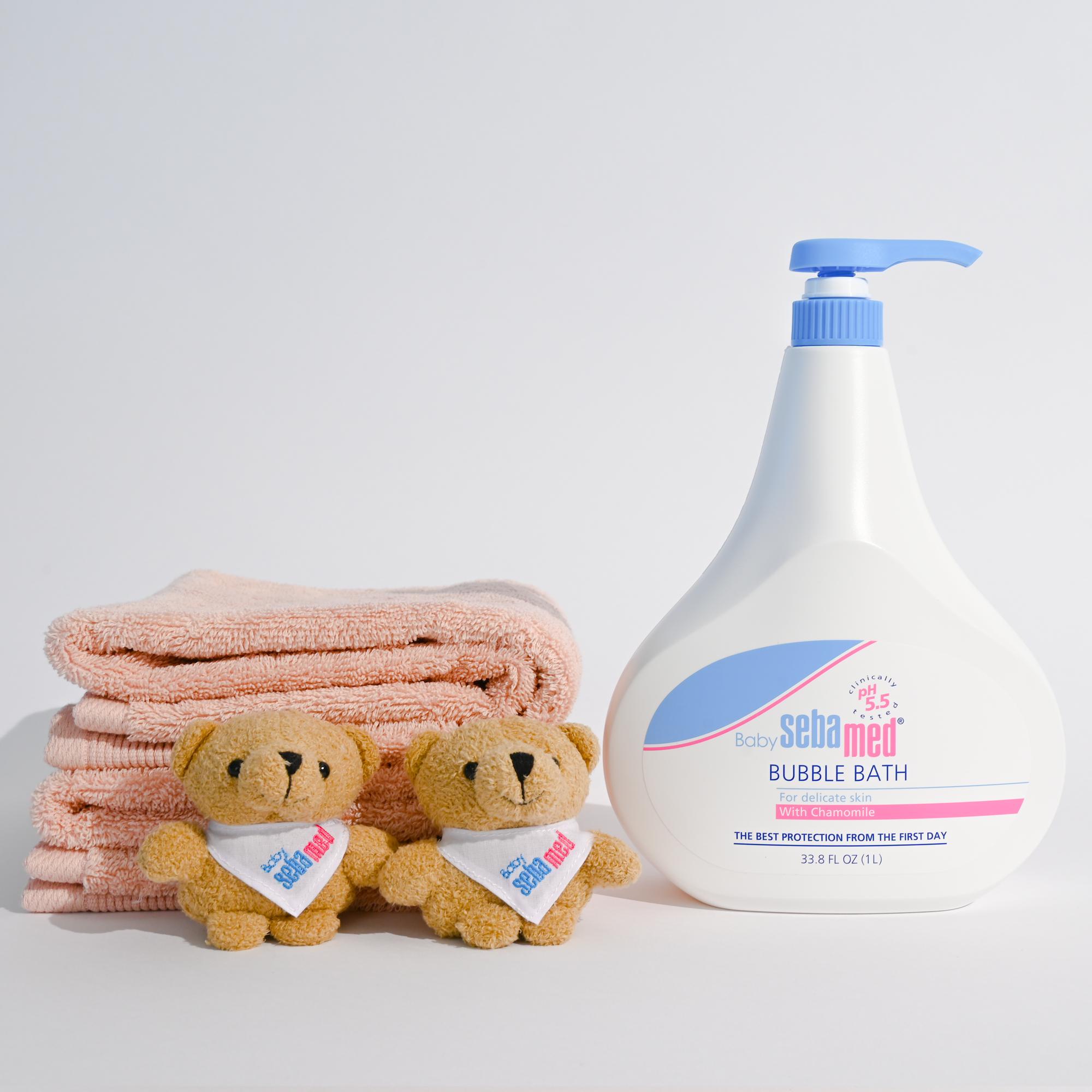 Baby bubblebath and bear %281%29